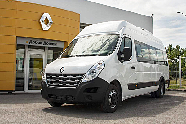 Renault_Master_18+1_Front