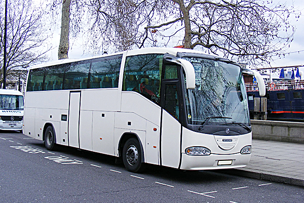 Scania_Irizar_Century_Coach_Artos_Tour_Front